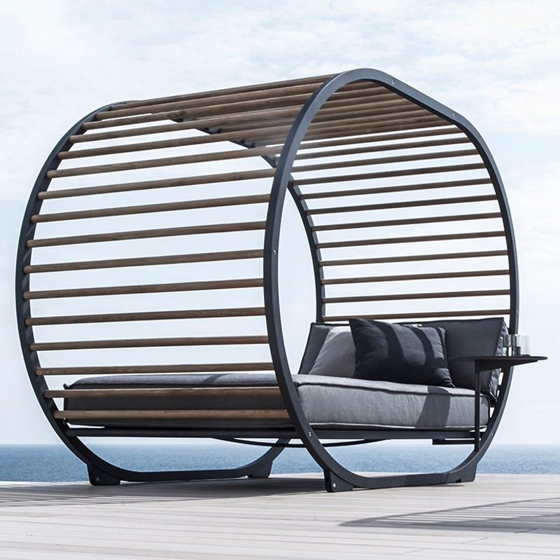 Cradle Lounge Day Bed